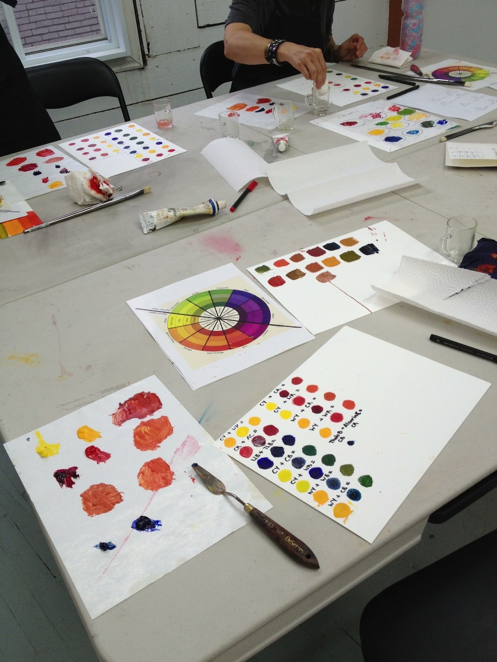 Color mixing, painting, École d'art Pointe-Saint-Charles Art School